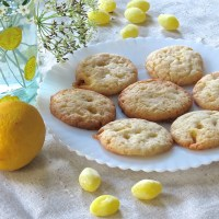 Lemon Drop Cookies and a Goldfinch