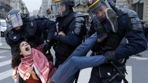 La policía detuvo ayer a 289 personas durante la protesta foto: EFE Guillaume Horcajuelo estadísticas
