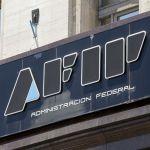 AFIP ratificó que sigue el reintegro del 15% en compras con tarjeta de débito: a quiénes beneficia