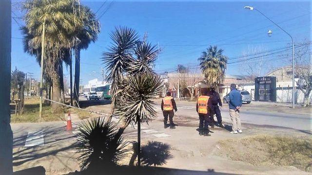 Con el objetivo de contener el brote de coronavirus, por decisión del Comité COVID-19 provincial se realizó un bloqueo de 9 manzanas del barrio Portal de Los Andes I en Rivadavia, además de Villa GüelI en Sarmiento.