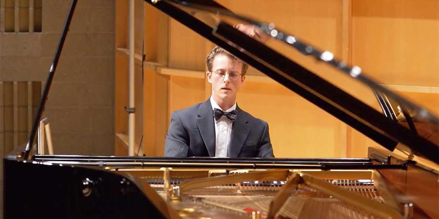 Daniel Parker Pianist QVS