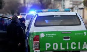 Una mujer fue asesinada por un policía que luego se suicidó