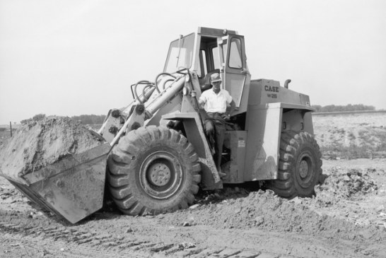 CASE Celebrates 60 Years of Wheel Loader Manufacturing in 2018 (AME)