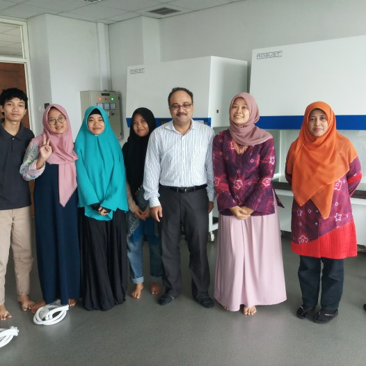 "GUEST LECTURE ""BIOPROCESSING INDUSTRIES: SQUEEZING CELLS TO MAKE MONEY"""