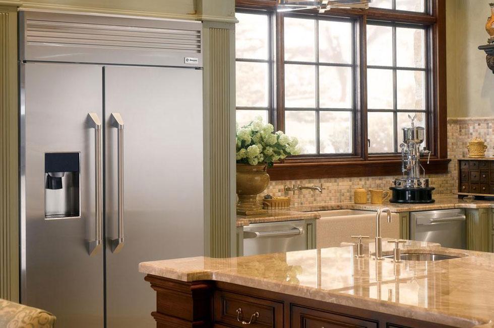 櫥櫃深度的冰箱,可完美搭配您的廚房設計。