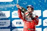Piquet Jr comemora vitória épica em Long Beach (Copyright: FIA Formula E)