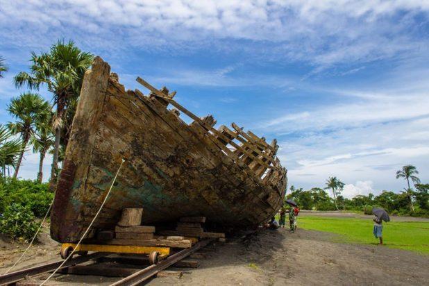 200-Hundreds-Year-Old-Boat-Kuakata