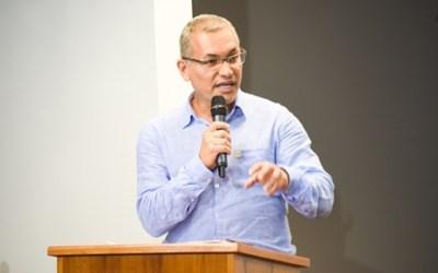 Carta aberta de Heleno Araújo, presidente de CNTE e Coordenador do FNPE