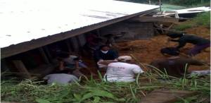 Parent Teachers Association (PTA) members, Laborers and community volunteers render their free service to excavate and clear the area to continue the construction of the elementary school building in Pangi, Kumalarang, ZDS.