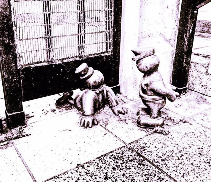 Tom Otterness bronze sculpture