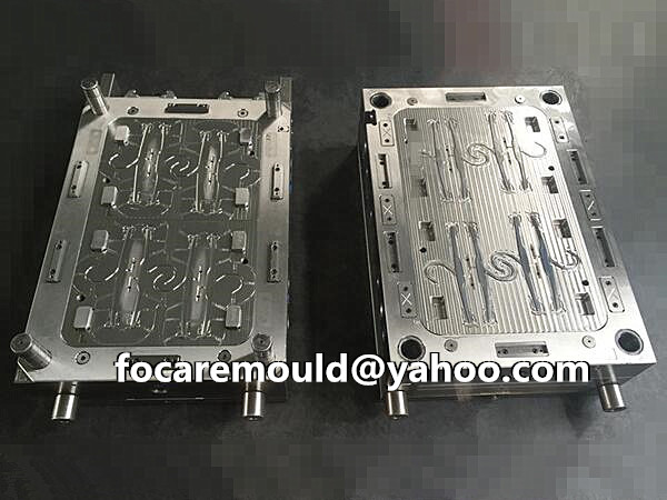 plastic hanger injection mold