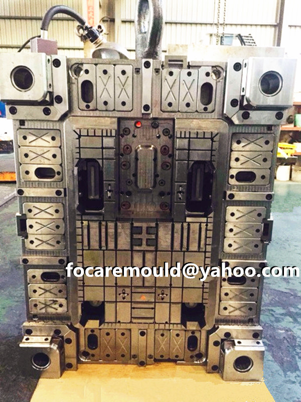 demountable pallet mold