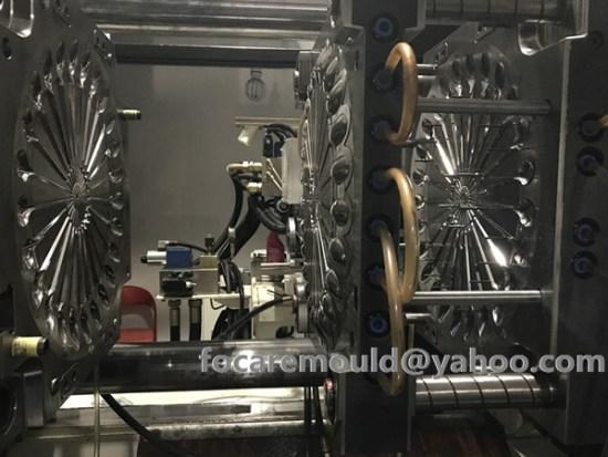 China spoon stacking mold maker