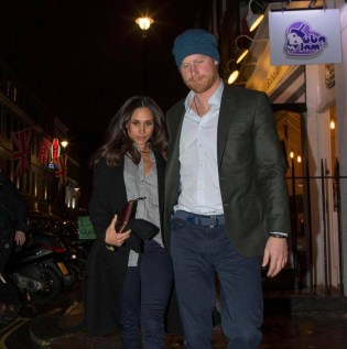 Februari 1, 2017: Meghan Markle y Prins Harry a dinner na Soho House, un member's club priva na West London. (Exclusive by The Sun)