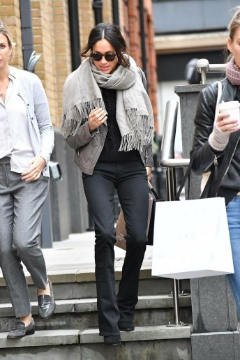 November 21 2017: Meghan Markle ta haci su shopping na King's Road na London.
