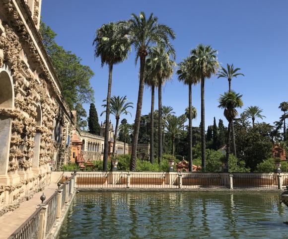 Les jardins de l'Alcazar se visitent sans personne...