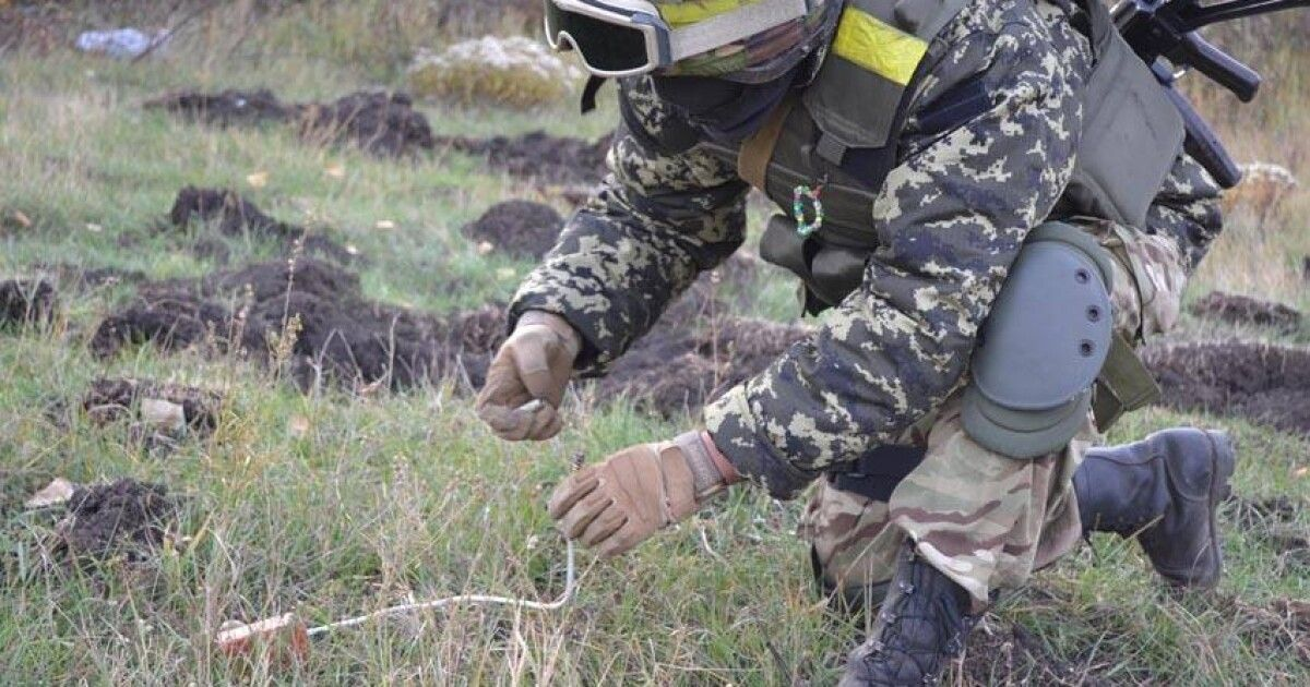 Бойцы ВСУ подорвались при разминировании на Волновахском ...