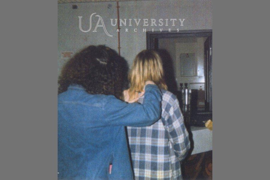 Волосы Курта Кобейна выставили на аукционе в США (фото)