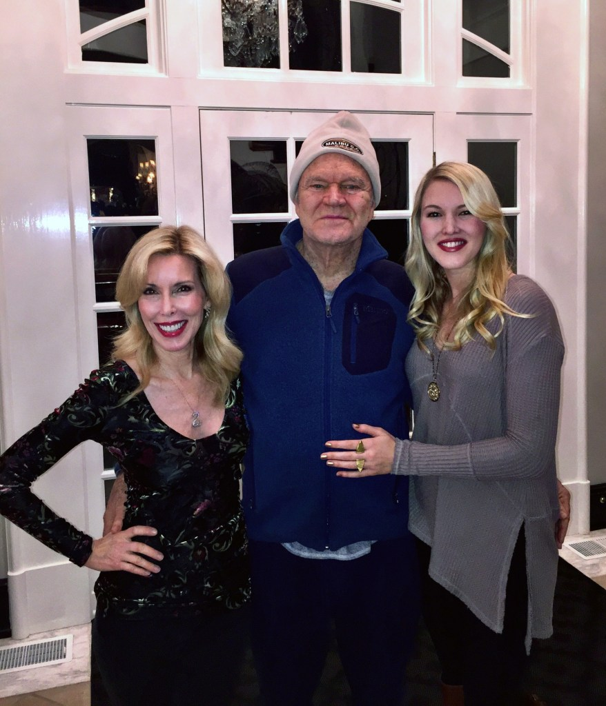 L to R: Kim Campbell, Glen Campbell and Ashley Campbell celebrate Christmas today in their Nashville home.  Photo credit: Big Machine Records