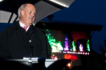 Norderstedts Oberbürgermeister Hans-Joachim Grote hält die Abschlussrede