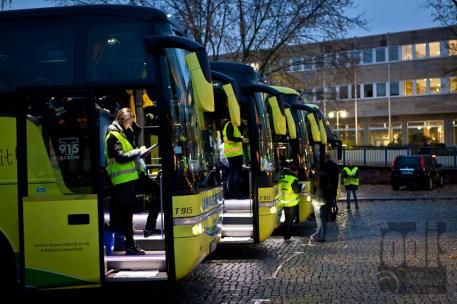 die Busse stehen bereit