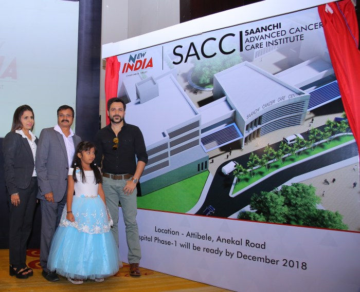 Vijay Tata with Amrita Tata and Emraan Hashmi at the launch of SACCI.jpg