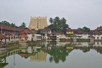 1200px-TVM_Padmanabhaswamy_Temple