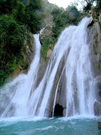 800px-Kempty_Water_Fall_Mussoorie