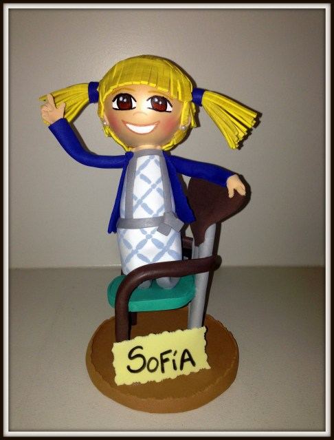 Fofucha y silla niña coletas Sofía 1