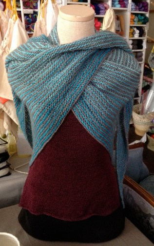 triangle shawl knit knitting garter stitch stripes