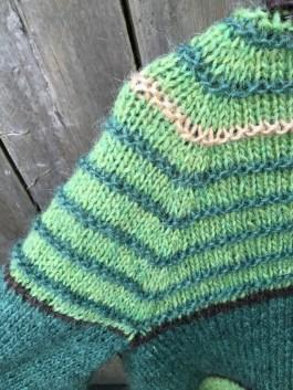 sweater-back-raglan-shaping-cardigan