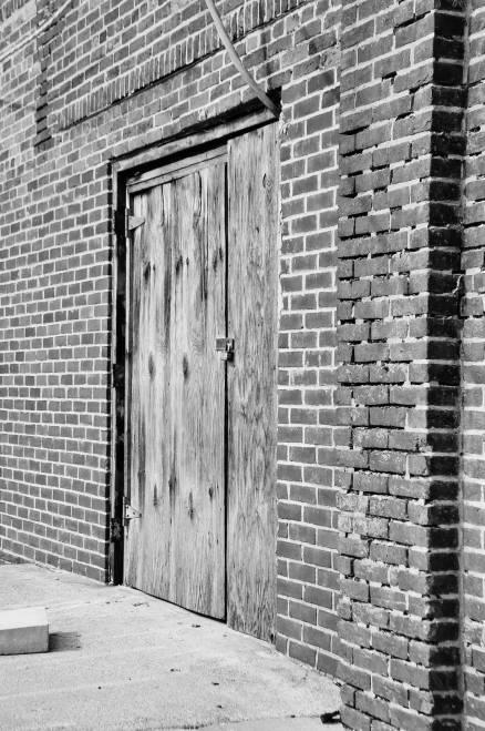 Une porte qu'on n'utilize plus.