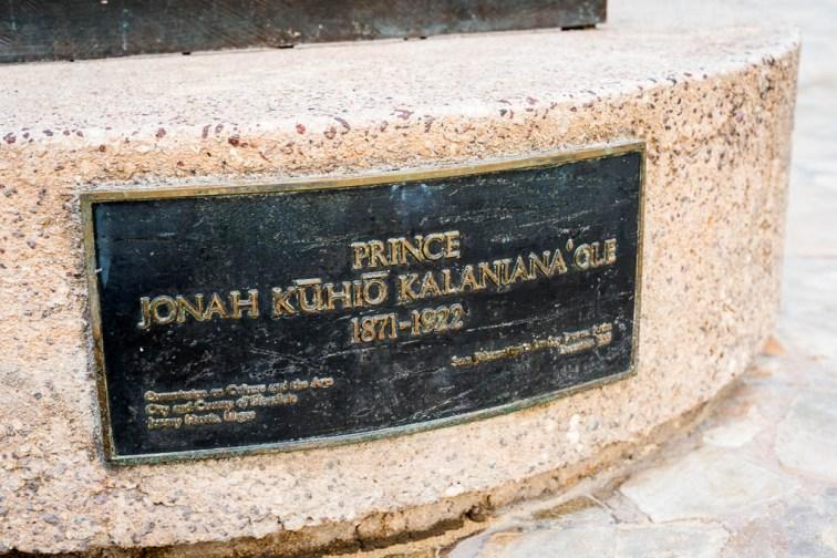 180807_3033 Prince Kuhio Statue in Waikiki