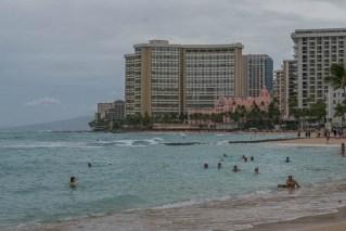 fokopoint-3334 Hurricane Lane in Waikiki before arrival