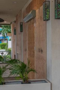 fokopoint-3399 Hurricane Lane in Waikiki before arrival