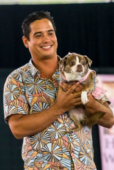fokopoint-3864 Celebrities and Their Pets Fashion Show