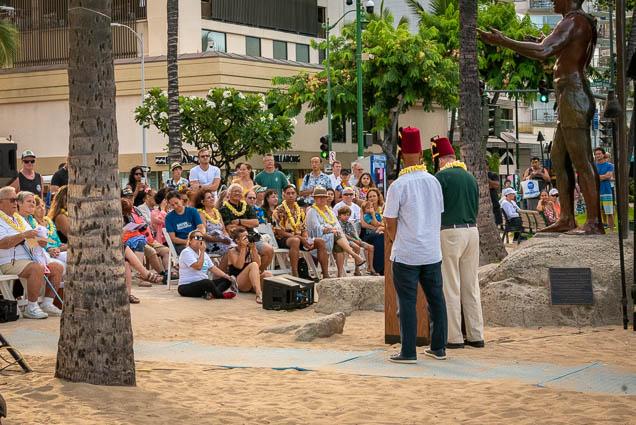 duke-kahanamoku-statue-birthday-lei-draping-waikiki-fokopoint-6690 Duke Kahanamoku Lei Draping Ceremony