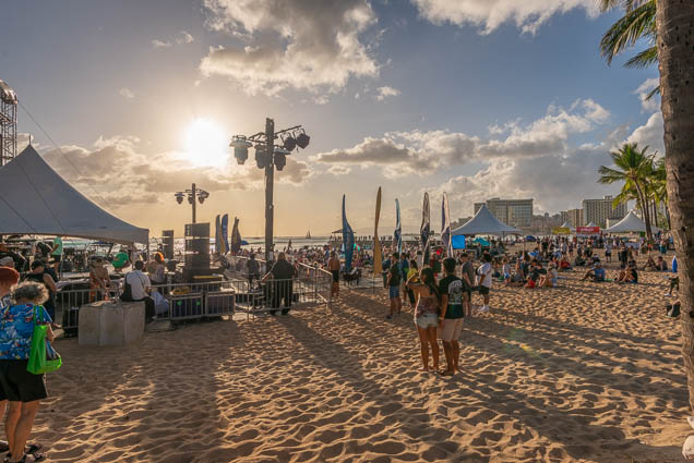 in-southern-sun-2019-queens-beach-waikiki-honolulu-fokopoint-7805 In the Southern Sun at Queen's Surf Beach