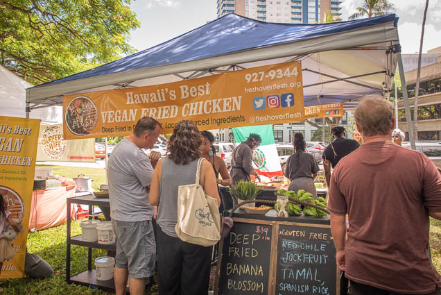 vegan-fried-chicken-flesh-over-vegfest-oahu-fokopoint VegFest Oahu 2019