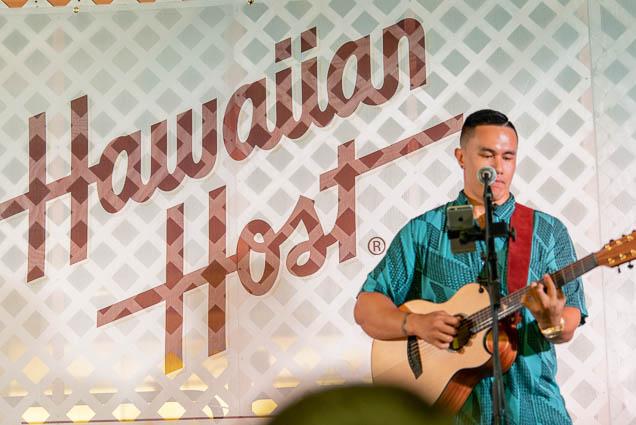waikiki-hoolaulea-2009-honolulu-fokopoint-9356 67th Annual Waikiki Hoolaulea