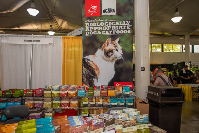 champion-dog-food-fokopoint-1159 Food and New Product Show at the Blaisdell