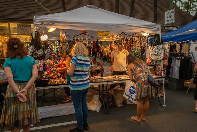 hand-crafted-hawaiian-symbol-necklaces-cow-bone-shell-koa-wood-fokopoint-1268 Waikiki Bazaar Festival
