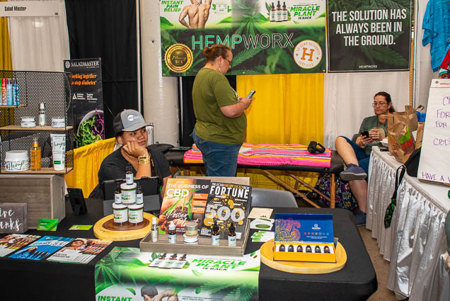 hempworx-fokopoint-1156 Food and New Product Show at the Blaisdell