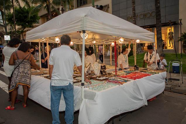 jewelry-vendor-waikiki-bazaar-festival-2019-fokopoint-1231 Waikiki Bazaar Festival