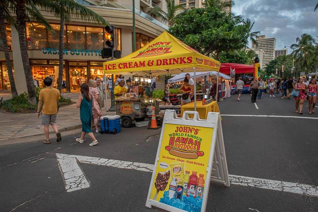 johns-world-famous-hawaii-hot-dogs-fokopoint-1281 Waikiki Bazaar Festival