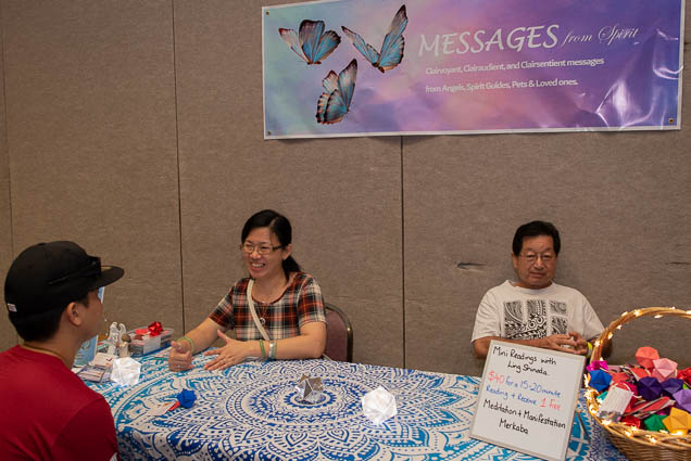 messages-spirit-clairvoyant-ohm-expo-honolulu-2019-fokopoint-1096 Organic Holistic & Metaphysical Expo