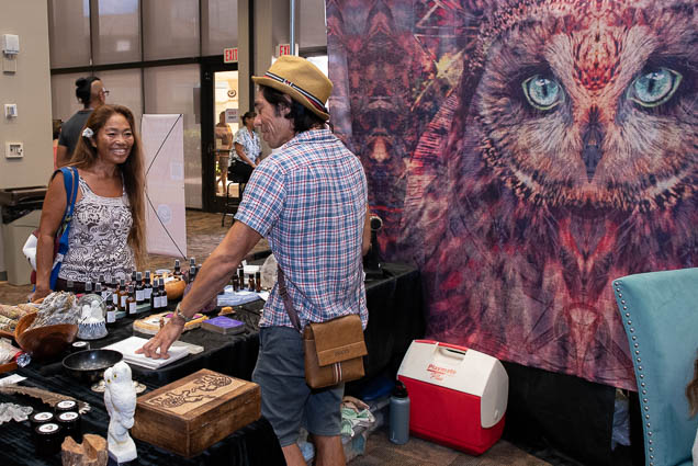 organic-holistic-metaphysical-expo-honolulu-2019-fokopoint-1084 Organic Holistic & Metaphysical Expo