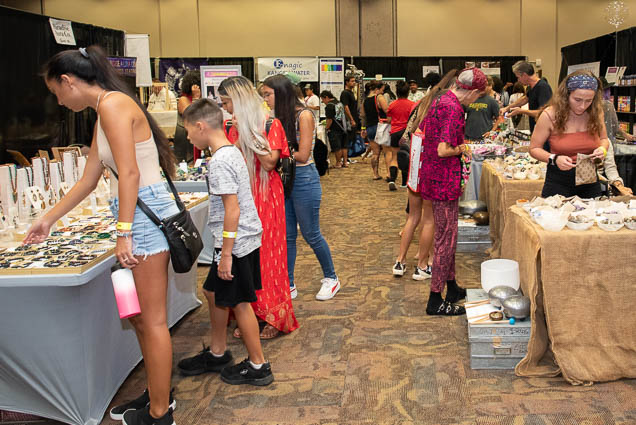 organic-holistic-metaphysical-expo-honolulu-2019-fokopoint-1113 Organic Holistic & Metaphysical Expo