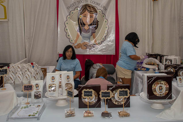 sweet-tooth-cookie-lady-fokopoint-1151 Food and New Product Show at the Blaisdell