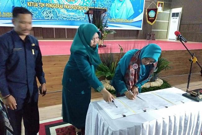 Tandatangan Sitti Maryam Amran Mahmud Jabat Ketua PKK Kabupaten Wajo